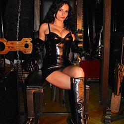 Bizarre SM BDSM Diana Escort Nutten Huren in Frankfurt am Main