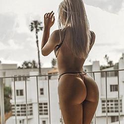 Meet Miriam_Hot escort love servant Frankfurt for French at your escort model agency immediately