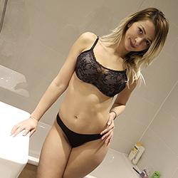 Vivien Fremdgehen Berlin Top Escort Model blond sexy feste Möpse