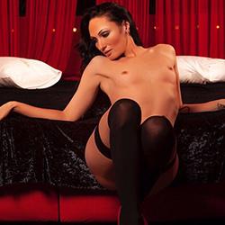 Dominatrix & devote sex escort service call girl Chris Frankfurt am Main