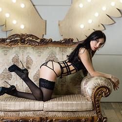 Einmaliges Escort Girl in Berlin Eugenija Super dünne Figur Top Sex Service