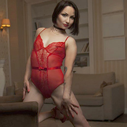 Reife Elite Escort Frau Maksima mit Profi Sex Dienst in Berlin