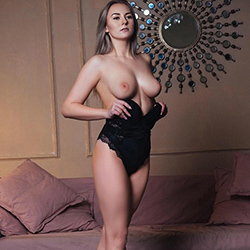 Escort Frankfurt am Main Monika Top Ladie order fat boobs to the motel