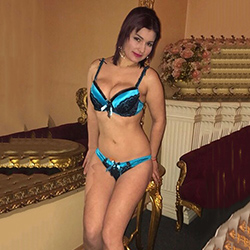Emma Sporty woman Berlin to meet at home, hotel or office as well as flirting 24 hours a day