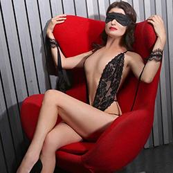 Ajimi Glamour Escort Dame Berlin für geilen Strippen mit Seitensprung 24 Std treffen