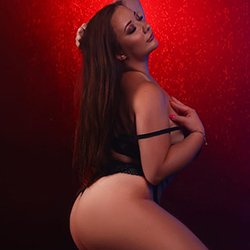 Sabine Asia supermodel escort Berlin for special oil massage with escort service discreetly book