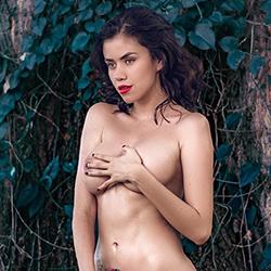 Escort Lady Morena in FFM Schönheit mit Naturbrüsten offen für Neue Sex Ideen