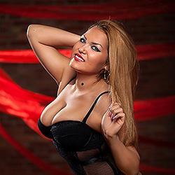 Devot Anal Denisa Escort Model aus Spanien Sex Callgirls Frankfurt Haus Hotel Service