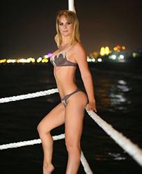 Melissa Hobbymodell Sex Natursekt im Stundenhotel Escort Frankfurt