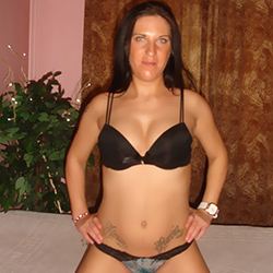 Roberta_2 Single lady escort Berlin for facesitting to meet in a private room 24 hours
