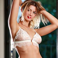 Vivien very petite blonde escort hooker in Frankfurt am Main