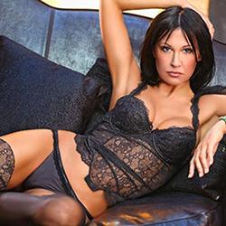 Attraktive Top Reife Escort Lady Margo Berlin Sex in Strapsen