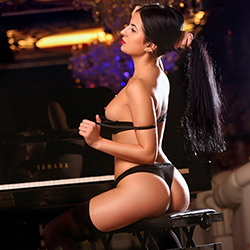Meet Beatrice Traumfrau Escort Berlin anonymously for body insemination via sex singles search