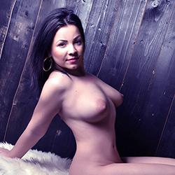 Leni Escort Girl dicke Titten Sex im Stundenhotel Haus Berlin