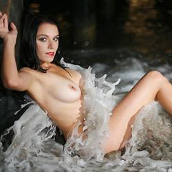 Reife Nutte Vanessa in Berlin Strapsen Sex im Hotel Haus