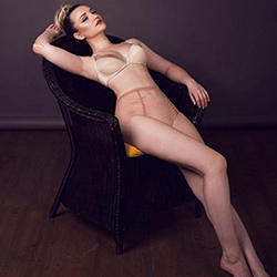 Order Betty_2 escort lady Frankfurt am Main for verbal erotica and sex contacts today