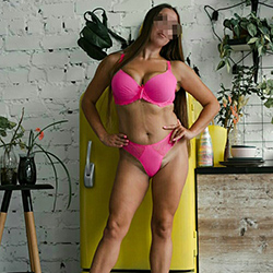 Everika She is looking for a man escort Berlin for traffic and make an appointment immediately via escort agency