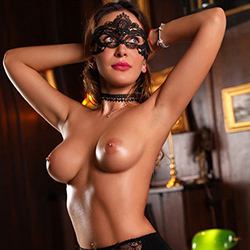 Nina extrem dünne sexy Escort Lady liebt Blind Dates in Berlin