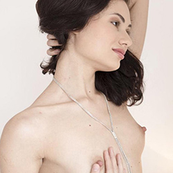 Elena_Asien Manager Escort companion Frankfurt for sensual kisses with escort service order anonymously