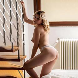 Natalie Top Escort Beginner Frankfurt for oral sex with protection via sex red light displays order at short notice