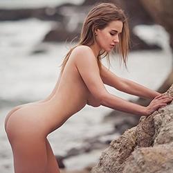 Gabriella_2 Escort beginner model Frankfurt for finger games gently book a 24h appointment via erotic guide
