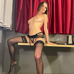 Barbara Nice She is looking for him escort Aachen for sex in latex and rubber with escort service. Book today