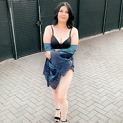 Bella Sweet First Class Escort Leverkusen für Hodenlecken über Sextreff 24 Std buchen
