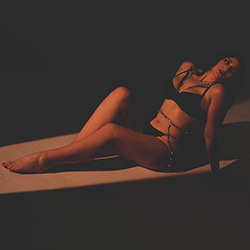 Book Rajsa luxury escort model Bochum for dildo games and sex affair 24 hours