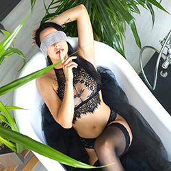 Kira Nice Escortmodel Frankfurt am Main für Vibratorspiele passiv über Sex Kontaktanzeigen anonym treffen