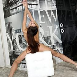Leyla Top Escortgirl Krefeld für Körperbesamung mit diskret Poppen 24 Std buchen