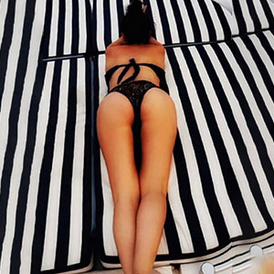 Louna Erotic Escort Housewife Berlin for sex in latex and rubber order discreetly via sex partner search