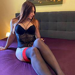 Book Gloria Top Escort Dreamgirl Oberhausen for sex in latex and rubber discreetly through sex escort agency