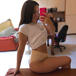 Ivanka Stern noble escort hooker Aachen for finger games gently book an appointment at the hotel 24h